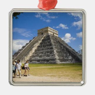 メキシコ、キンタナ・ロー州、カンクンの近くで、Chichen 4 メタルオーナメント