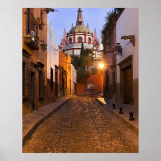 メキシコ、サン・ミゲルdeアジェンデ。 早朝 ポスター