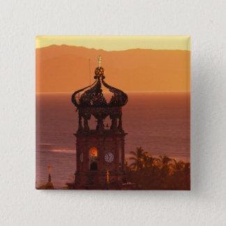 メキシコ、ハリスコ州、Puerto Vallarta。 教会の塔 5.1cm 正方形バッジ