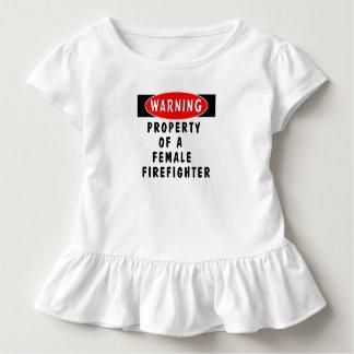 メスの消防士のすべての特性 トドラーTシャツ