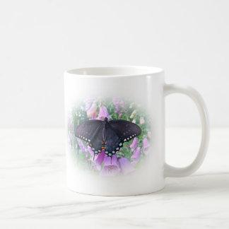 メスのSpicebushのアゲハチョウの蝶 コーヒーマグカップ