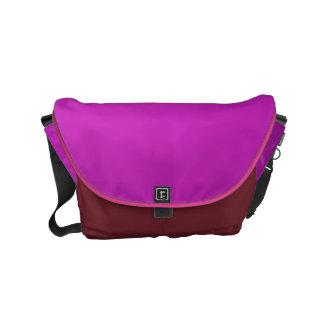 メッセンジャーバッグの輝きの贅沢な紫色のレザールック クーリエバッグ