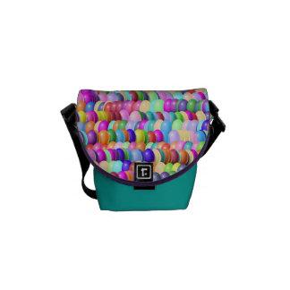 メッセンジャーバッグ-見つけられるイースターエッグ メッセンジャーバッグ