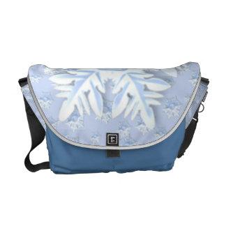 メッセンジャーバッグ-雪片の突風 メッセンジャーバッグ