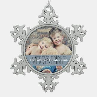 メリーで及び明るい写真のクリスマス家族のオーナメント スノーフレークピューターオーナメント