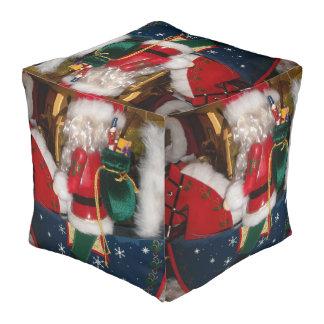 メリークリスマスはかわいいレトロのヴィンテージのギフトを着色します プーフ