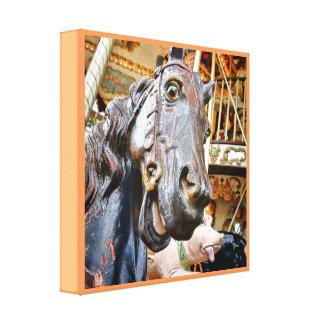 メリーゴーランドのおもしろいのまわりのHorsing キャンバスプリント