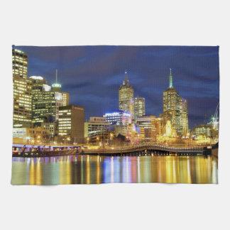 メルボルン、オーストラリア。 2の夜の眺め キッチンタオル