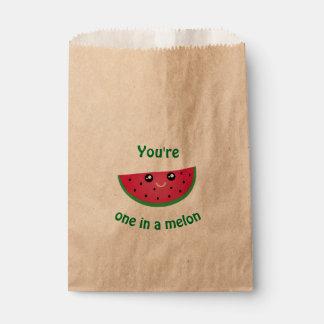 メロンのおもしろいでかわいいかわいいのスイカの1つ フェイバーバッグ