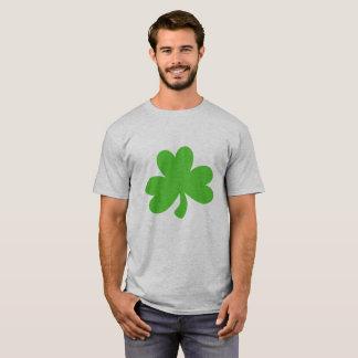 メンズはシャムロックとティーにのせます Tシャツ