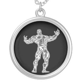 メンズクロムボディービルダーはポンプでくまれたネックレスを得ます シルバープレートネックレス