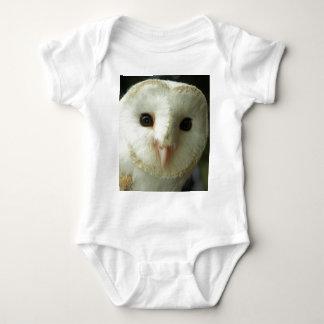 メンフクロウの幼児クリーパーかBabygro ベビーボディスーツ
