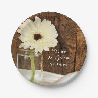 メーソンジャーおよび白いデイジーの国の納屋の結婚式 ペーパープレート