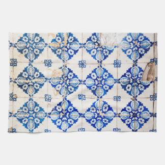 モザイクリスボンの青い装飾のポルトガルの古いタイル タオル