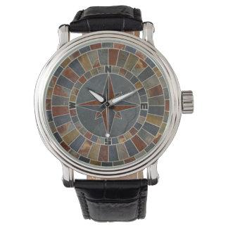 モザイク・タイルの円形浮彫りのコンパス面図の革腕時計 腕時計