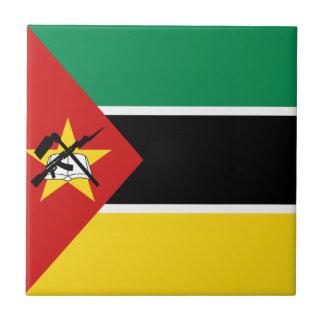 モザンビークの旗のセラミックタイル タイル