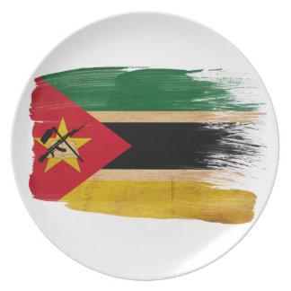 モザンビークの旗 ディナー皿