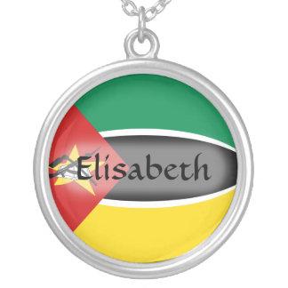 モザンビークの旗 + 一流のネックレス シルバープレートネックレス