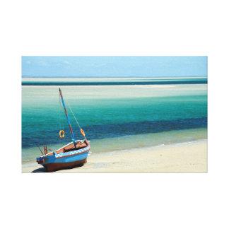 モザンビークの水の端のダウ キャンバスプリント