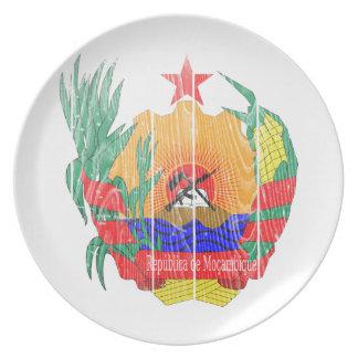 モザンビークの紋章付き外衣 ディナープレート