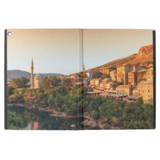 """モスタルの古い都市、ボスニア・ヘルツェゴビナ iPad PRO 12.9"""" ケース"""