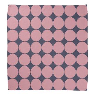 モダンでスタイリッシュなピンクの水玉模様 バンダナ
