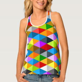 モダンで明るくファンキーで多彩な三角形パターン タンクトップ