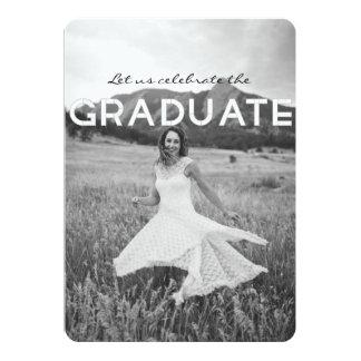 モダンで黒く及び白い卒業パーティーの招待 12.7 X 17.8 インビテーションカード
