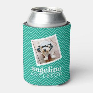 モダンなシェブロンのパターンおよび名前をカスタムするを用いる写真 缶クーラー