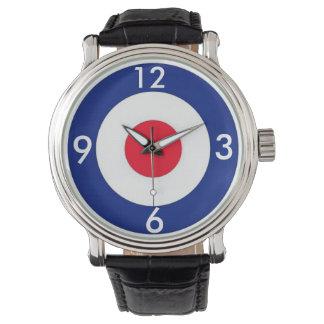 モダンなターゲットデザイン 腕時計