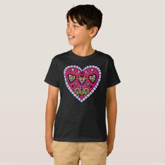 モダンなピンクのハートの炎はTシャツパターン子供の行きます Tシャツ