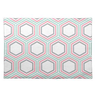モダンなミントおよび珊瑚の幾何学的なパターン ランチョンマット
