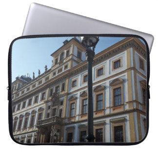 モダンな建築、プラハのラップトップスリーブ ラップトップスリーブ