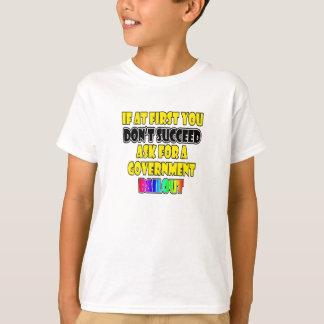 モダンな成功ビジネスユーモア Tシャツ