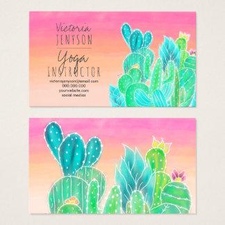 モダンな熱帯エキゾチックなサボテンのイラストレーションのヨガ 名刺
