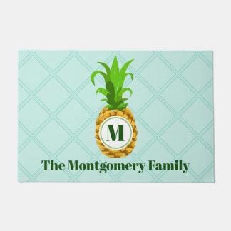 モダンな熱帯パイナップル及びモノグラムの姓 ドアマット