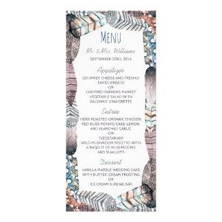 モダンな種族の羽のボヘミアの結婚式メニュー オリジナルラックカード