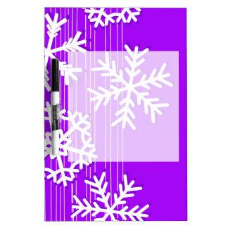 モダンな紫色およびホワイトクリスマスの雪片 ホワイトボード