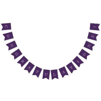 モダンな紫色及び白いお祝い バンティングフラッグ