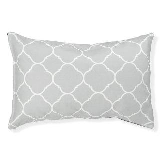 モダンな薄い灰色のクローバーパターン犬のベッド