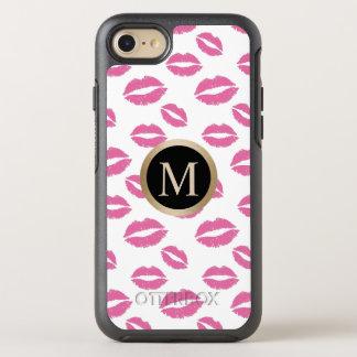モダンな金ゴールドのモノグラムのピンクの唇のキスパターン オッターボックスシンメトリーiPhone 8/7 ケース