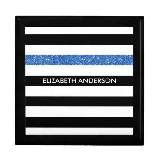 モダンな黒のストライプの模造ので青い輝きおよび名前 ギフトボックス