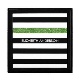モダンな黒のストライプの模造のな緑の輝きおよび名前 ギフトボックス