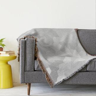 モダンの-灰色および白い多角形の形の抽象芸術 スローブランケット