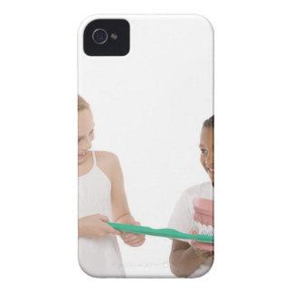 モデル一組の歯を持つ子供および特大 Case-Mate iPhone 4 ケース