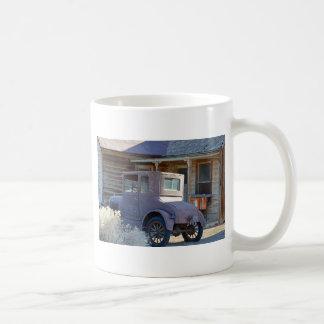 モデルTおよび古く歴史的な家 コーヒーマグカップ