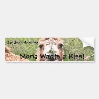 モナはキスがほしいと思います! バンパーステッカー