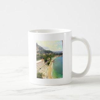 モナコのビーチ コーヒーマグカップ