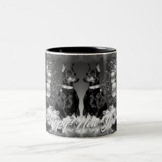 モノクロ新年のテーマのマグ ツートーンマグカップ