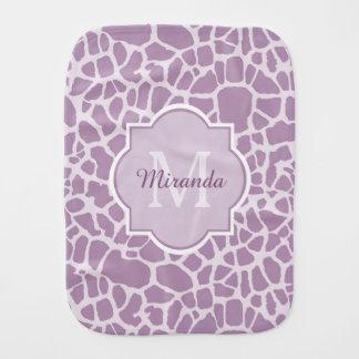 モノグラムおよび名前のシックな紫色のキリンのプリント バープクロス